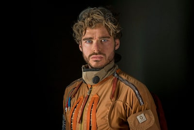 chris-raphael-sony-alpha-7RII-actor-dressed-as-pilot-poses-for-the-camera