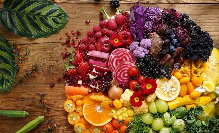 Zdjęcie kolorowych owoców iwarzyw zrobione tym obiektywem zbardzo wysoką rozdzielczością wkażdym rogu